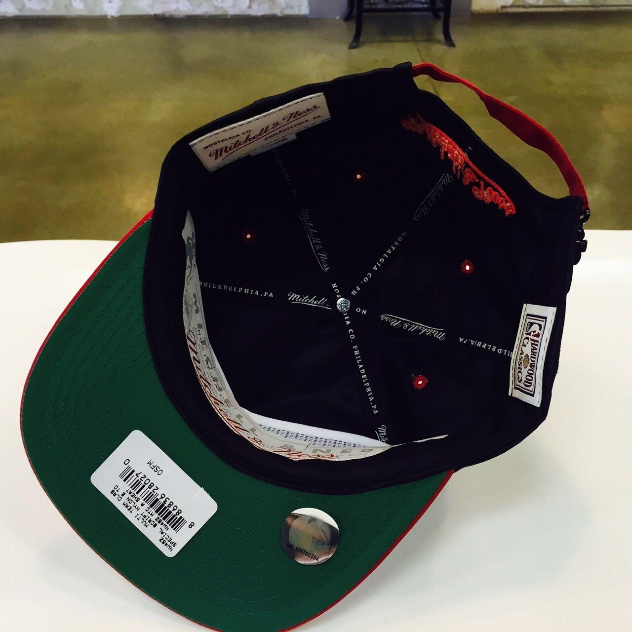 Mitchell & Ness MBA Miami Heat Script  Nylon ZipBack  Strapback  Cap Hat 12809