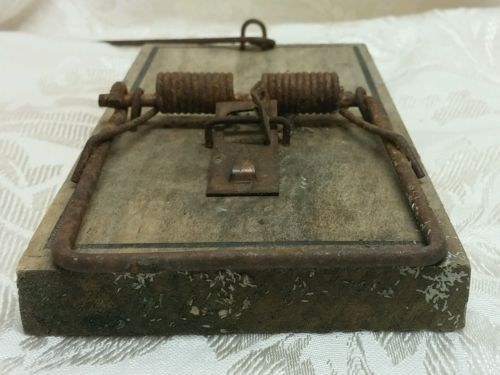 Vtg Victor Rat Trap Large Size Weathered Rustic Decor