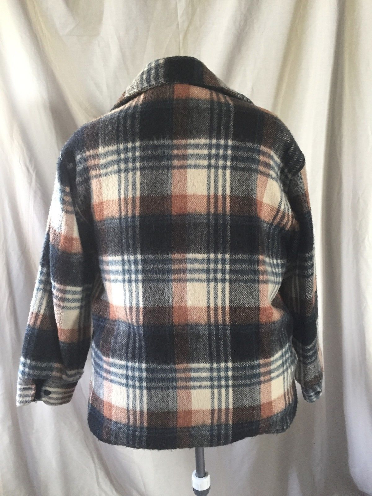 Large 42-44 Vtg C.P.O Men's Brown Plaid Flannel Coat