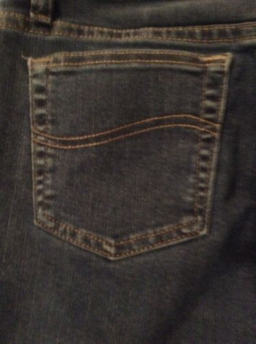 Lee Relaxed Fit Women's Size 6 Short B#15 image 4