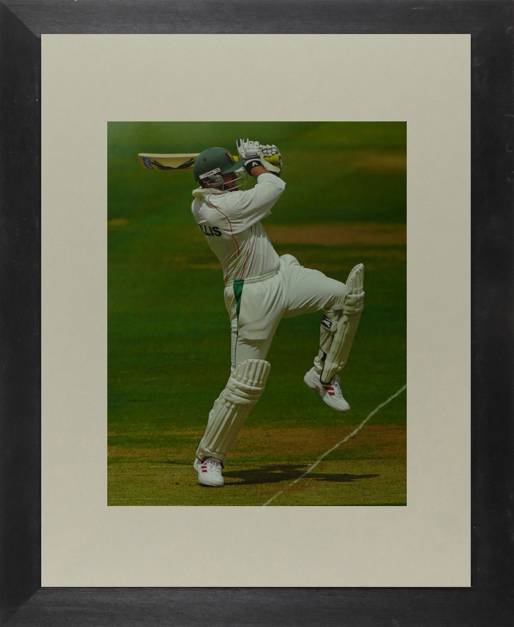 Bob Willis (Cricket) - Framed Picture 11 x 14