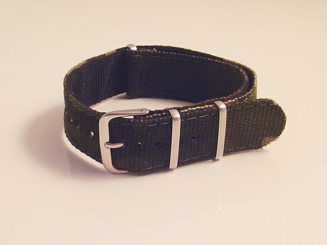 NEW ONE PIECE MILITARY STYLE GREEN CAMOUFLAGE NYLON WATCH BAND 20MM STRAP S38E