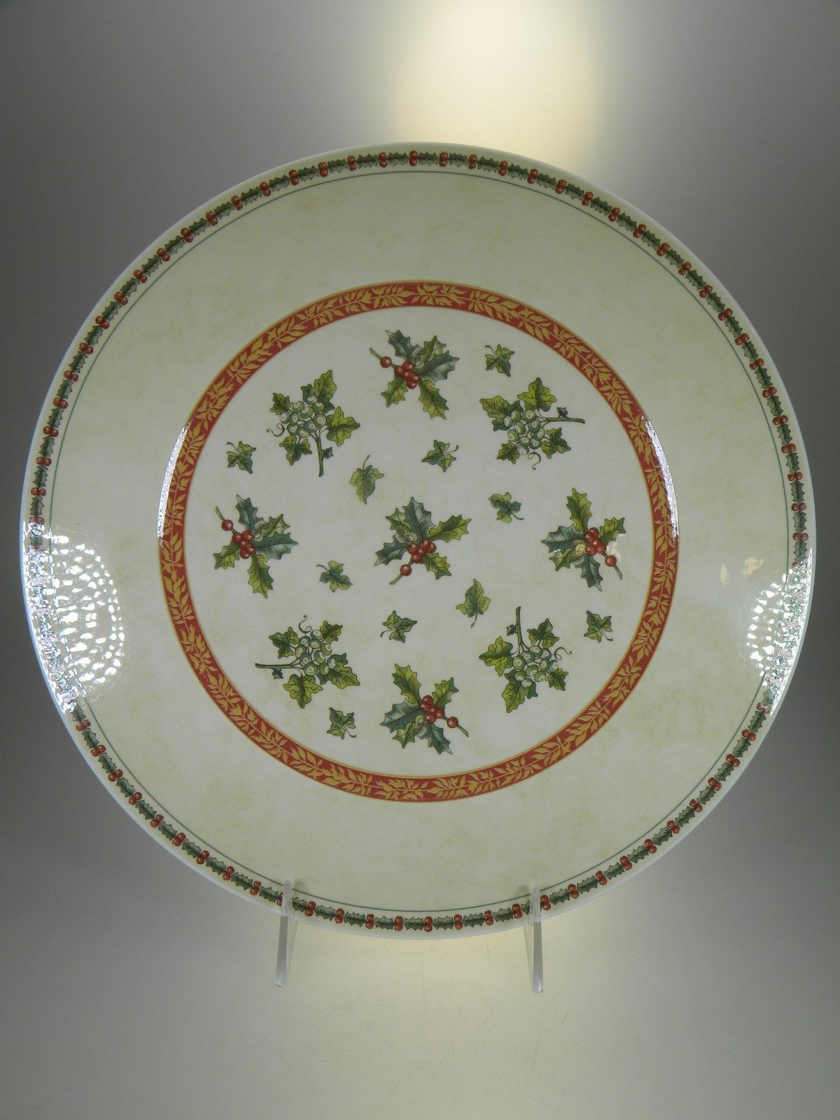 Primary image for Villeroy & Boch Festive Memories Topiary Round Platter or Charger 12""