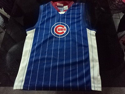 Primary image for sleeveles shirt  jersey chicago Cubs Size S (Canada)