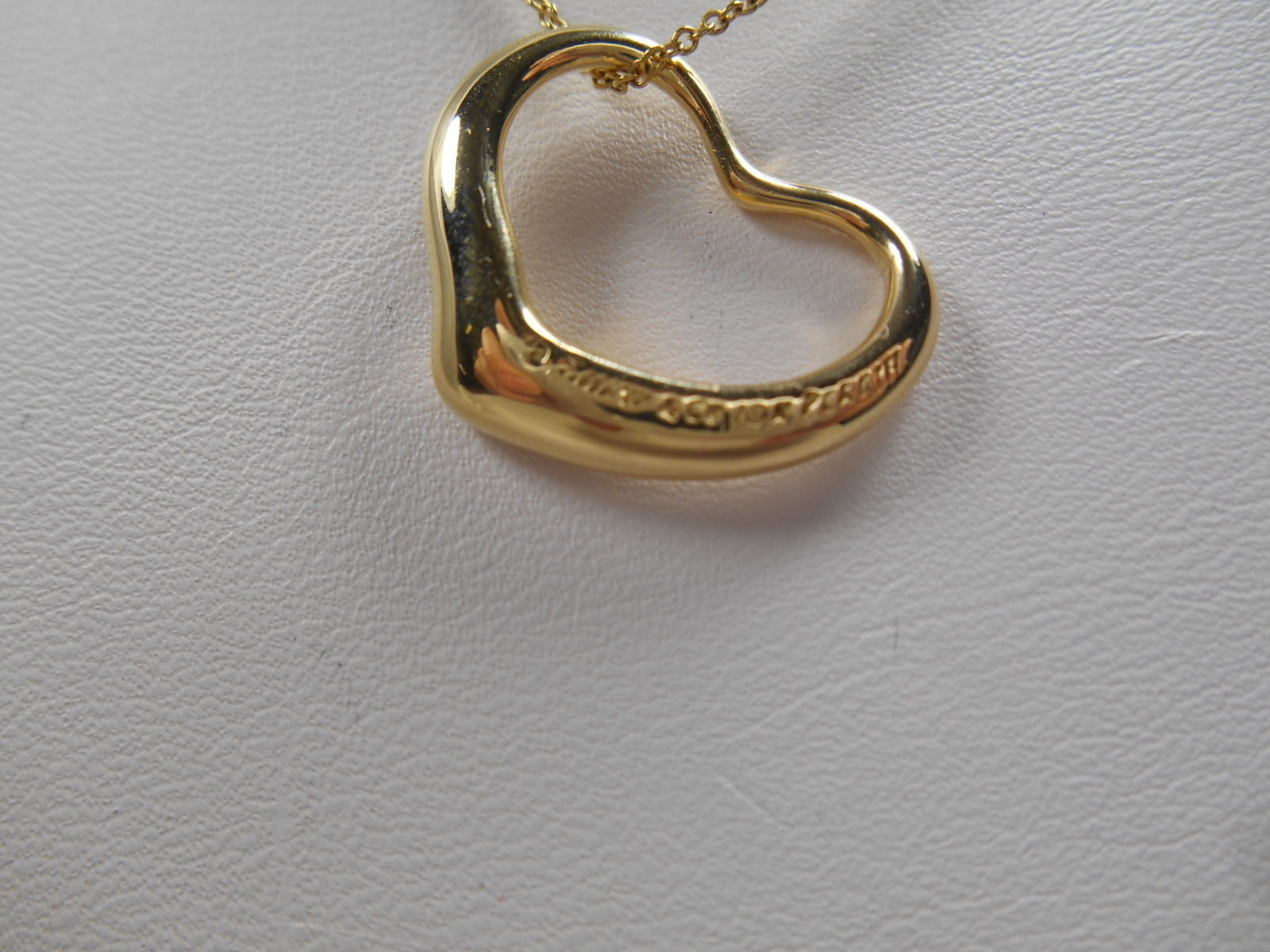 "Primary image for Tiffany & Co Elsa Peretti 18K Gold Medium Open Heart 16"" Necklace ($2200 Retail)"