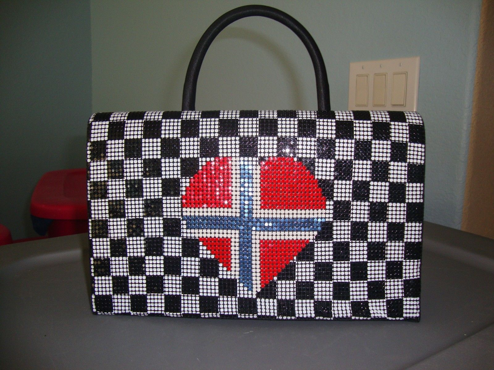 Primary image for Laila The Essence Of Norway Metal Mesh Norwegian Flag  Evening Handbag NWOT