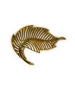 Vintage Gold tone Metal Leaf Pin Brooch Unsigned - $9.17