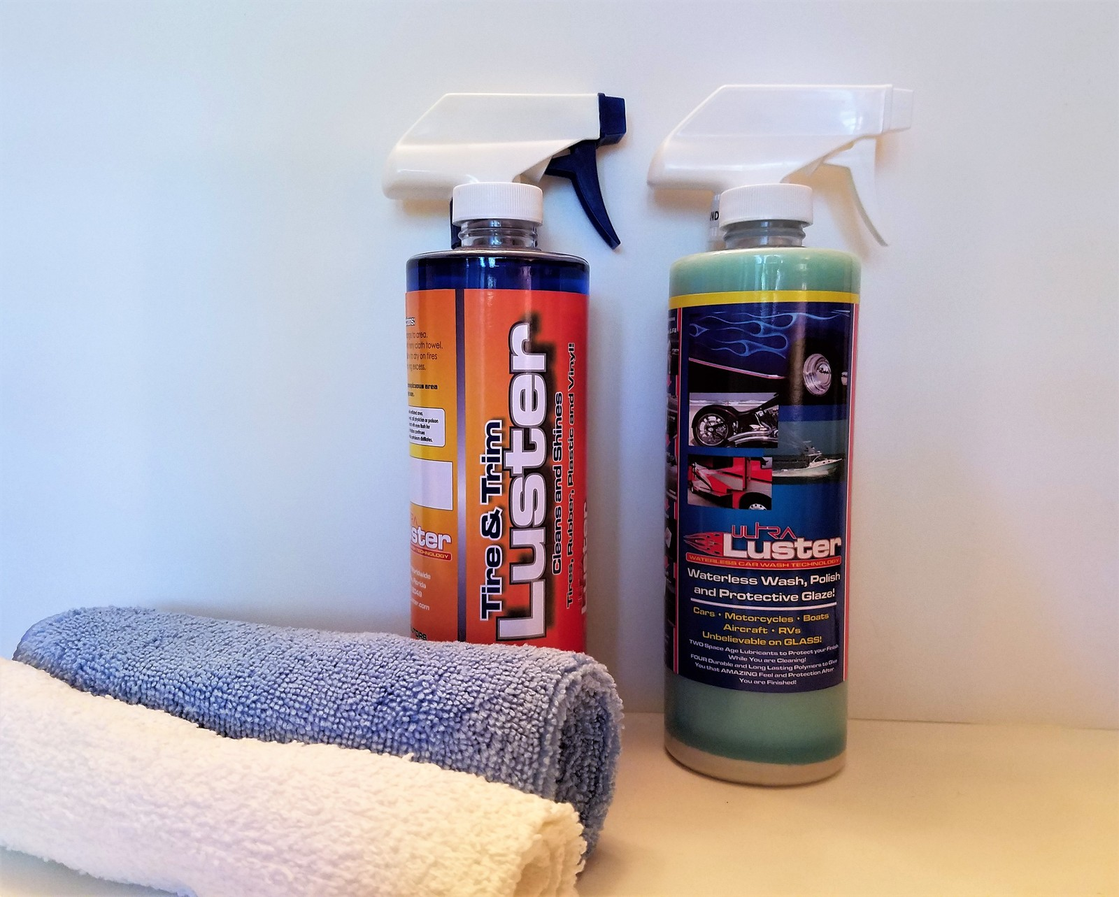 Primary image for UltraLuster Waterless Car Wash n' Polish + Tire & Trim - Duo Pack