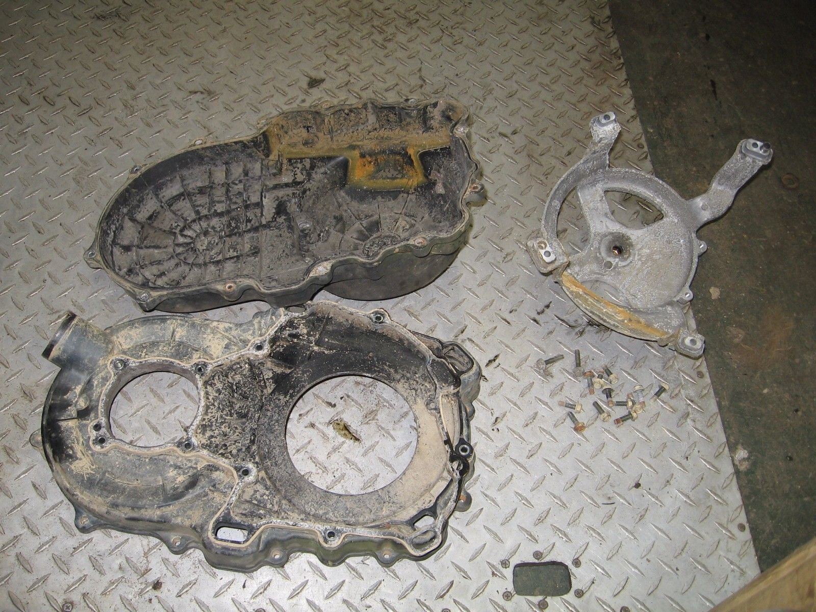 YAMAHA 2004 BRUIN 350 4X4 INNER AND OUTER BELT CLUTCH COVER  PART 30,615