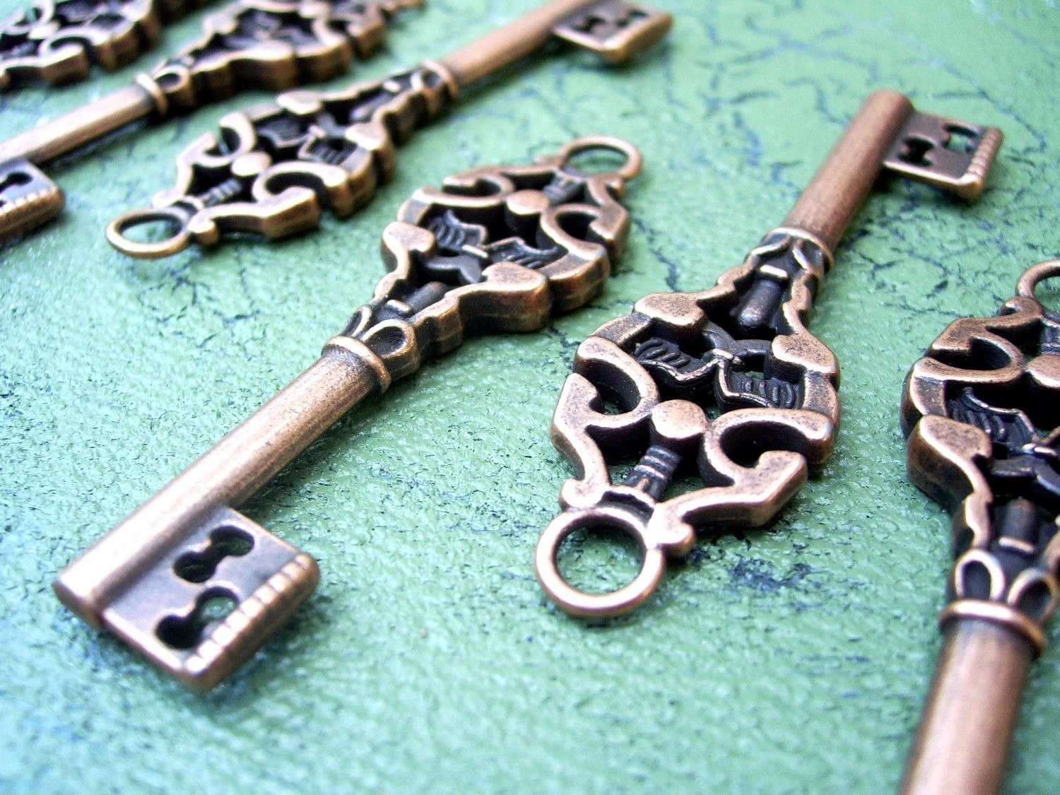 "Primary image for Skeleton Keys Steampunk Antiqued Copper 2"" 100pcs Vintage Wedding Bulk Lot Charm"