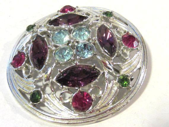 Vintage costume jewelry rhinestone signed Sarah Cov brooch
