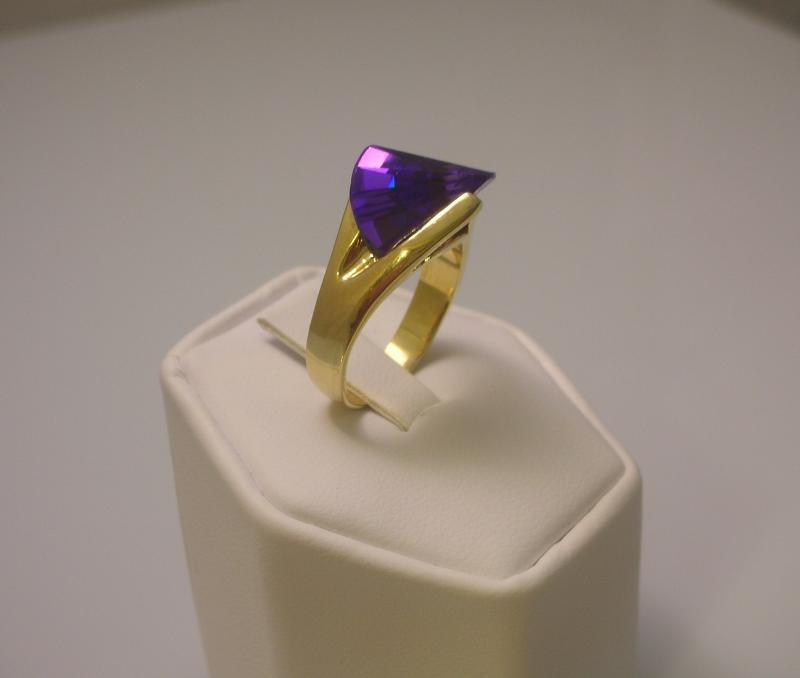 Alexandrite Laser Cut  Ladies Fashion Ring Size 7