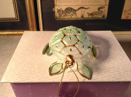 Glass Sea Turtle Ornament by Holiday Tree with Gold Tone Accents Decoration image 4