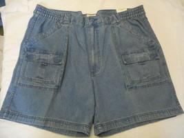 Men's St. John's Bay Hiking Shorts Light Indigo Denim Size 32 NEW  - $28.70