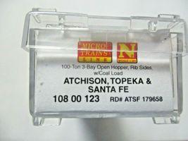 Micro-Trains # 10800123 Atchison, Topeka & Santa Fe 100 Ton 3-Bay Hopper N-Scale image 6