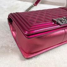 Authentic Chanel Boy Medium Patent Fuchsia Pink Flap Bag image 4