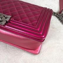 Authentic Chanel Boy Medium Patent Fuchsia Pink Flap Bag image 5