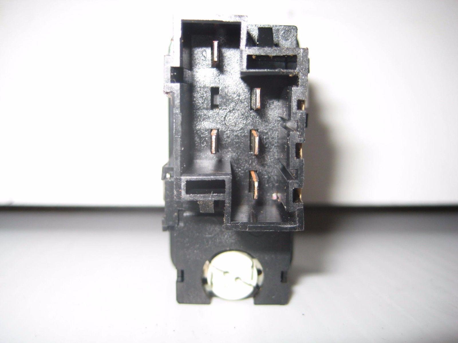 Volvo 850V 1995 Heated Mirror Rear Window Defrost Switch OEM 9128263