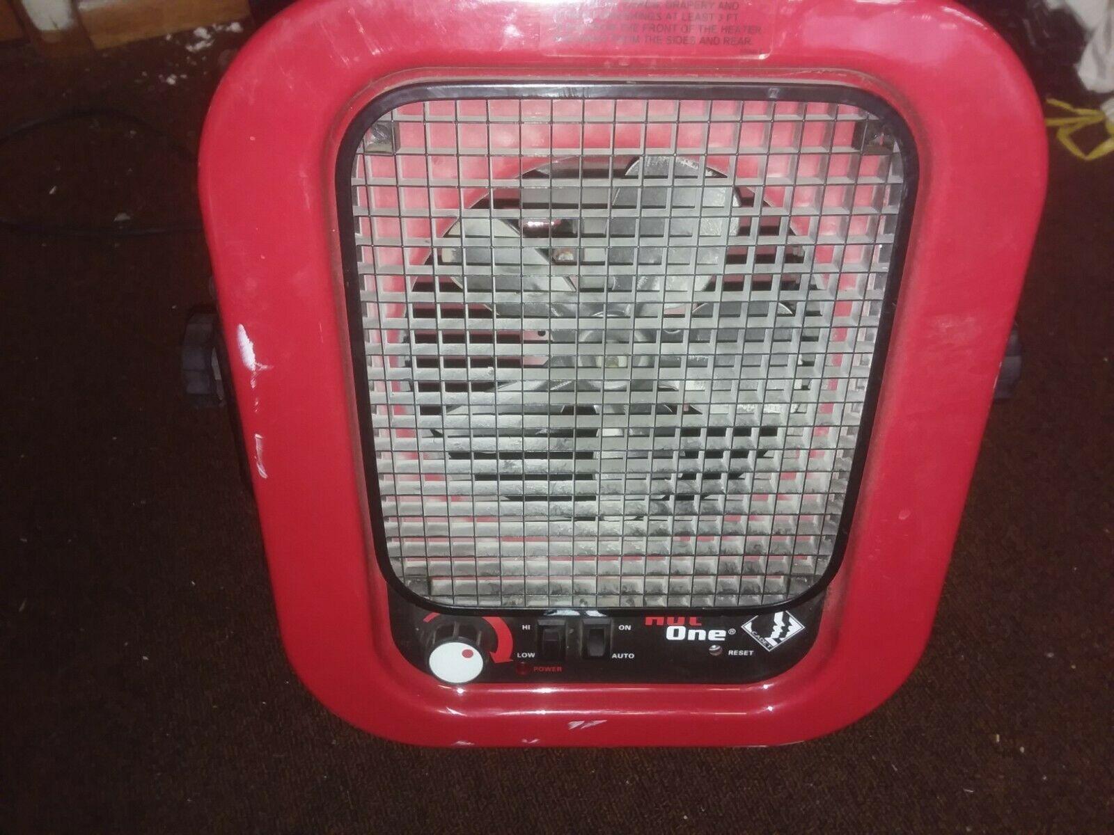 Cadet The Hot One 4000-Watt 240-Volt Electric Garage ...