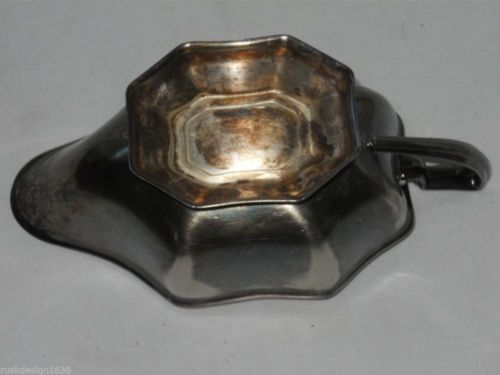 Vintage Silverplate Gravy Sauce Boat Scalloped Design Unmarked
