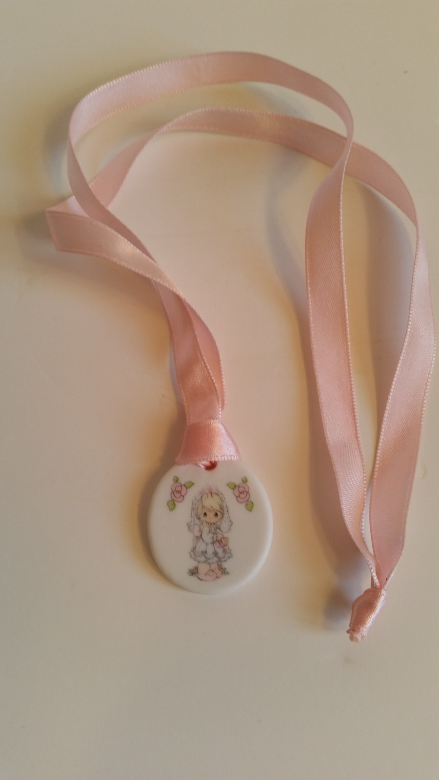 PRECIOUS MOMENT FIRST COMMUNION WEDDING NECKLACE porcelain NEW 1990 ornament