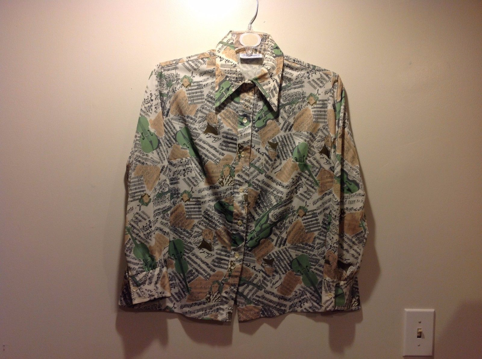 Ship n Shore Knit Music Themed Button Up Top Sz 40