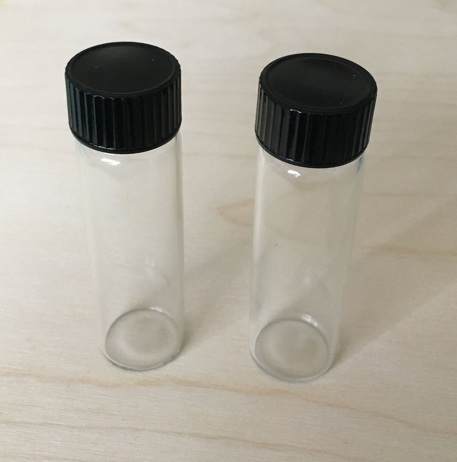 Small glass vials with caps (set of 2)