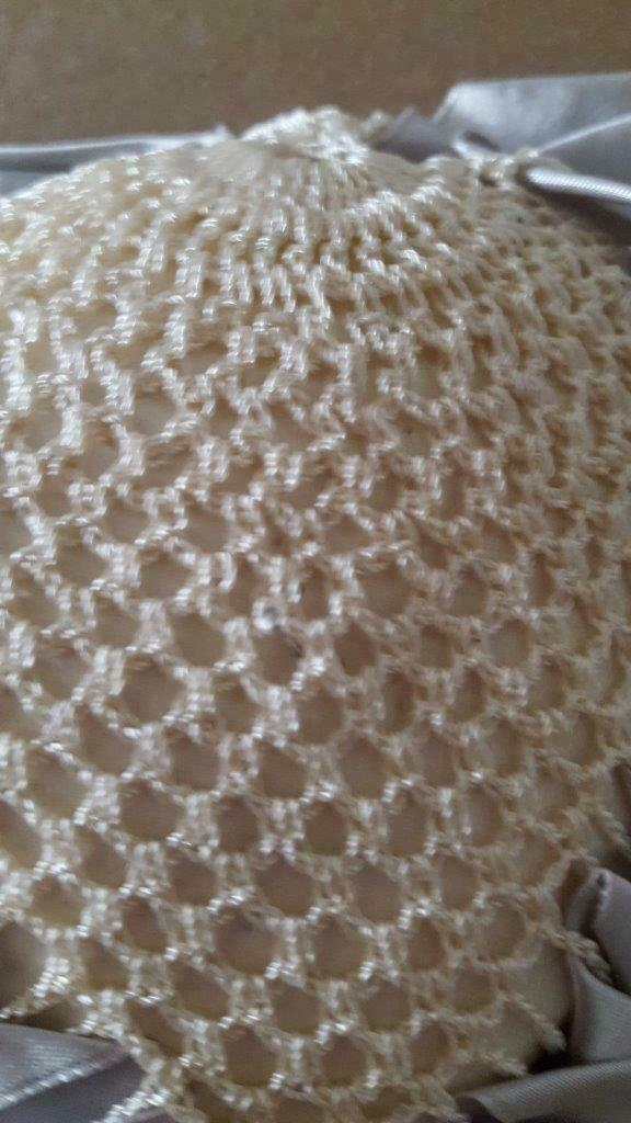 1960'S VINTAGE HANDCRAFTED CROCHETED PIN CUSHION, SEWING NOTION, SATIN EDGE, IVO image 4