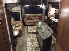 2017 JAYCO PINNACLE 36FBTS For Sale In Charleston, WV 25314 image 2