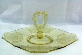 "Paden City 1930 Gothic Garden Yellow Center Handled Sandwich Plate 9 3/4"" - $41.57"