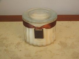 """NWT JANTE'PEONEY AND LILAC GLASS JAR 2 WICK CANDLE 3"""" T- 4"""" W - $25.73"""