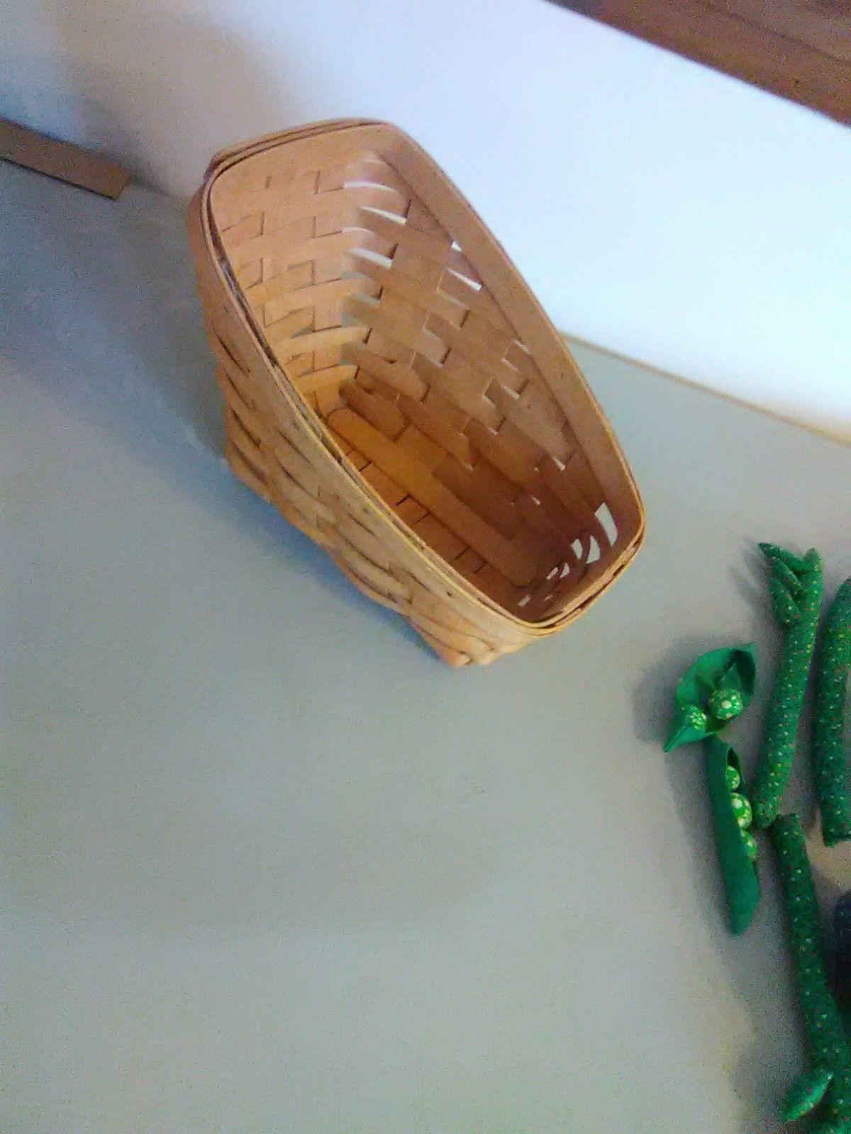 Longaberger Vegetable Sleigh Basket 1995  - Hand sewn vegetables image 6