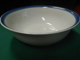 """Great Collectible PFALTZGRAFF ...Large Serving BOWL  10.25"""" x 4"""" - $12.46"""