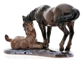 Hagen-Renaker Specialties Ceramic Horse Figurine Mustang Mare with Colt image 6