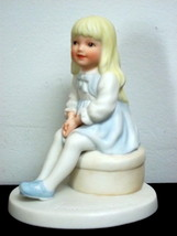 1980 Frances Hook 'All Dressed Up' Porcelain Figurine - $1.97