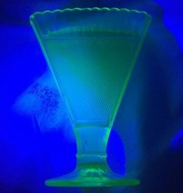 "Art Deco Green Vaseline Glass Fan Vase 7"" X 5"" 1.75"" Deep Optic Rib X Ha... - $48.51"