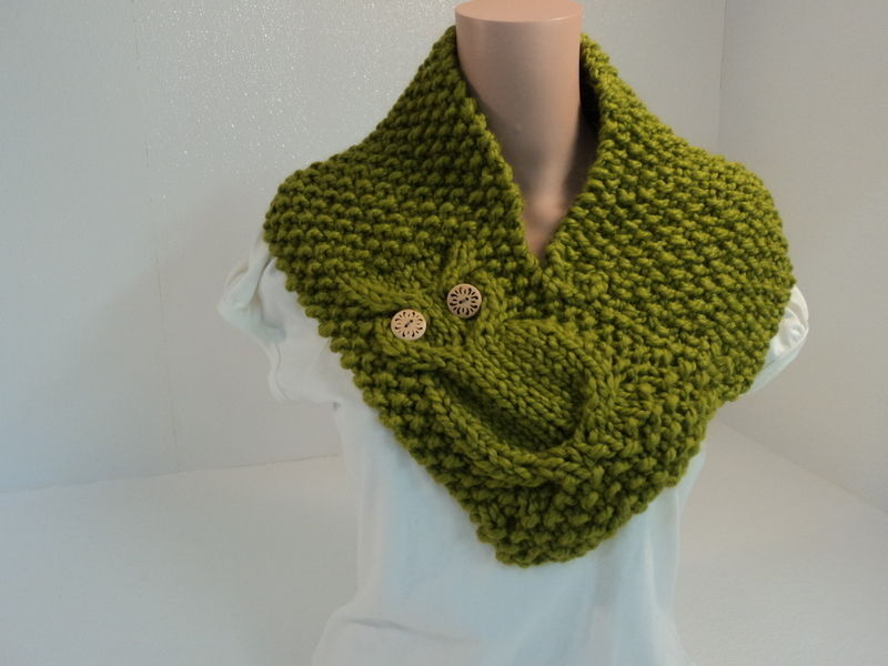Handcrafted Cowl Wrap Owl Apple Green Textured Acrylic Wool Rayon Female Adult
