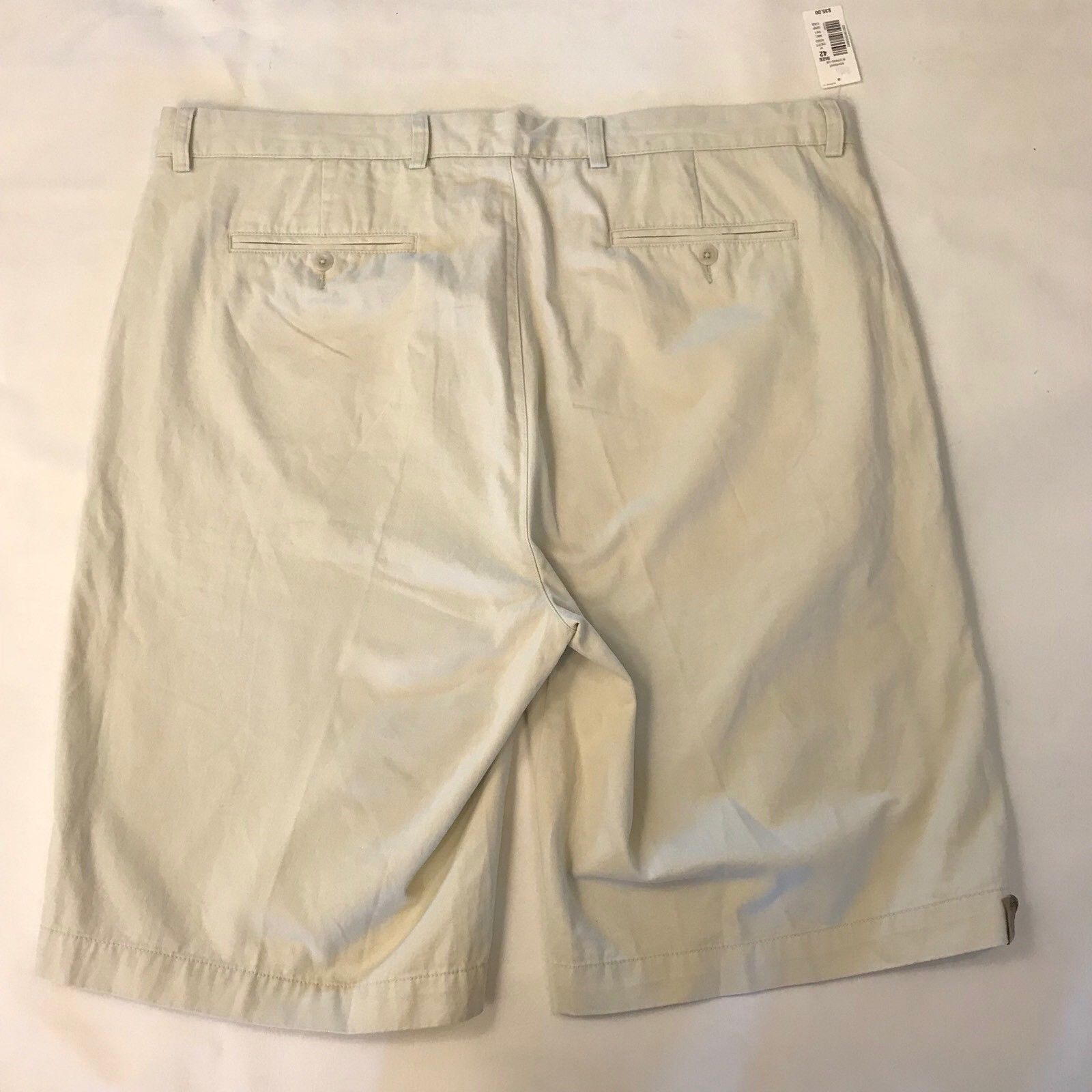 Roundtree & Yorke Men's Shorts 42 Tall Relaxed Fit Off White Light Khaki