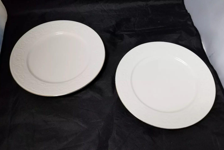 """Retroneu Calais Dinner Plates Set of 2, 10.5"""" White w Gold Trim 4173 image 6"""