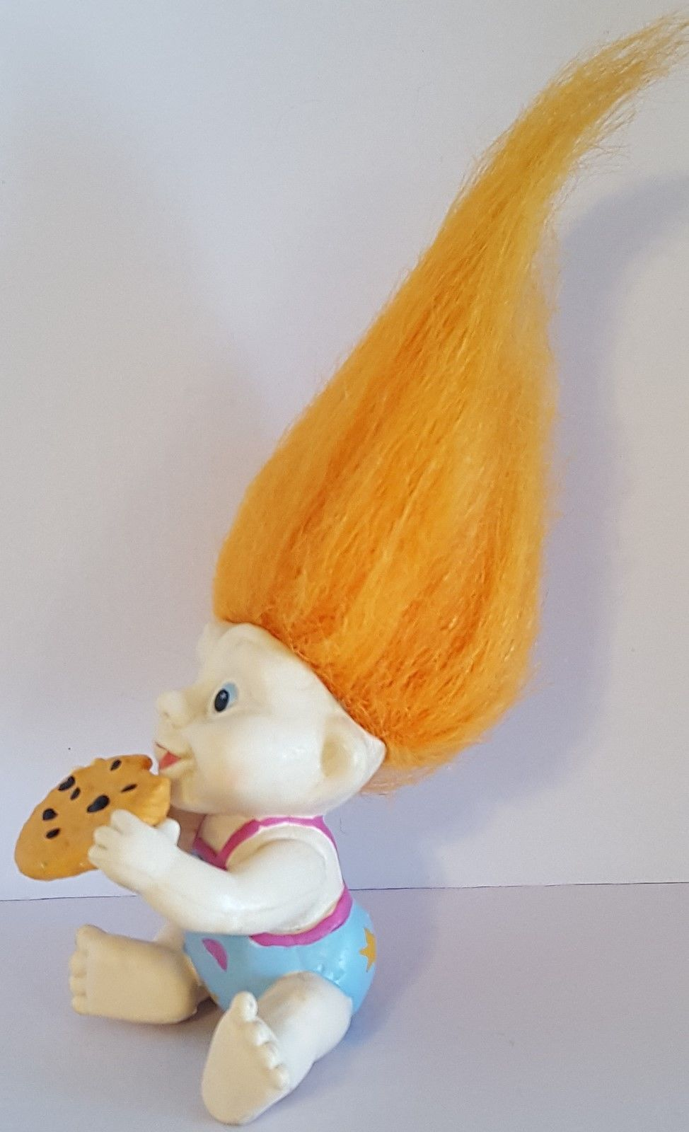 MAGIC TROLLS - APPLAUSE INC 1991 – Vintage Baby Troll with Cookie – 2 inches