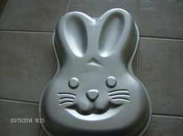 BUNNY PAN 2105-2074 WILTON CAKE PAN NEW WITH IN... - $15.00
