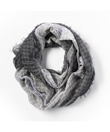 Simply Vera Vera Wang Abstract Infinity Scarf, Black - $281,25 MXN
