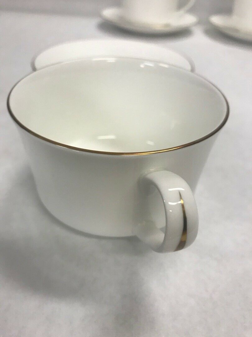 lot 5 coffee tea Cup saucer Royal Winchester Strathmore white gold dining