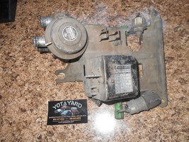 78-79 TOYOTA PICKUP EMISS VACUUM SWITCH ASSY 25710-38030 89570-35070 YOT... - $178.20