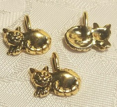 SMILING KITTY CAT FINE PEWTER CHARM - 14.5 x 12.5 x 2mm image 1
