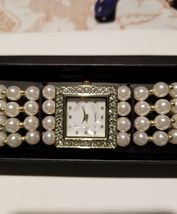 Modern Pearlesque Stretch Bracelet Watch image 8