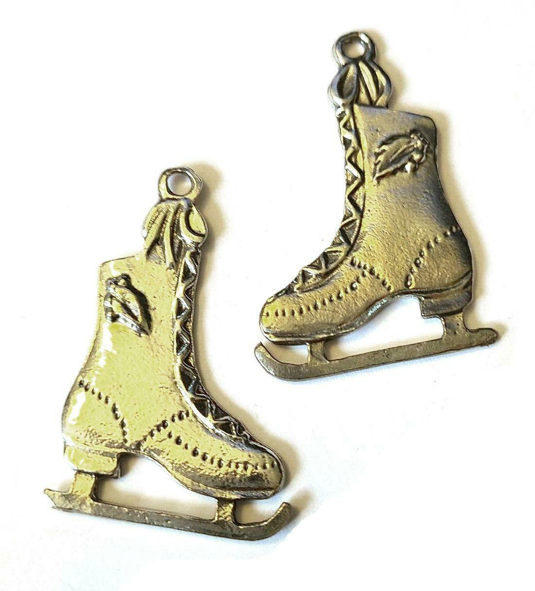 Ice Skate Fine Pewter Ornament - Approx. 1 3/4 Inches Tall (T186)