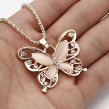 Flawless Feminine Choker With Rose Gold Butterfly Opal Acrylic Necklace 
