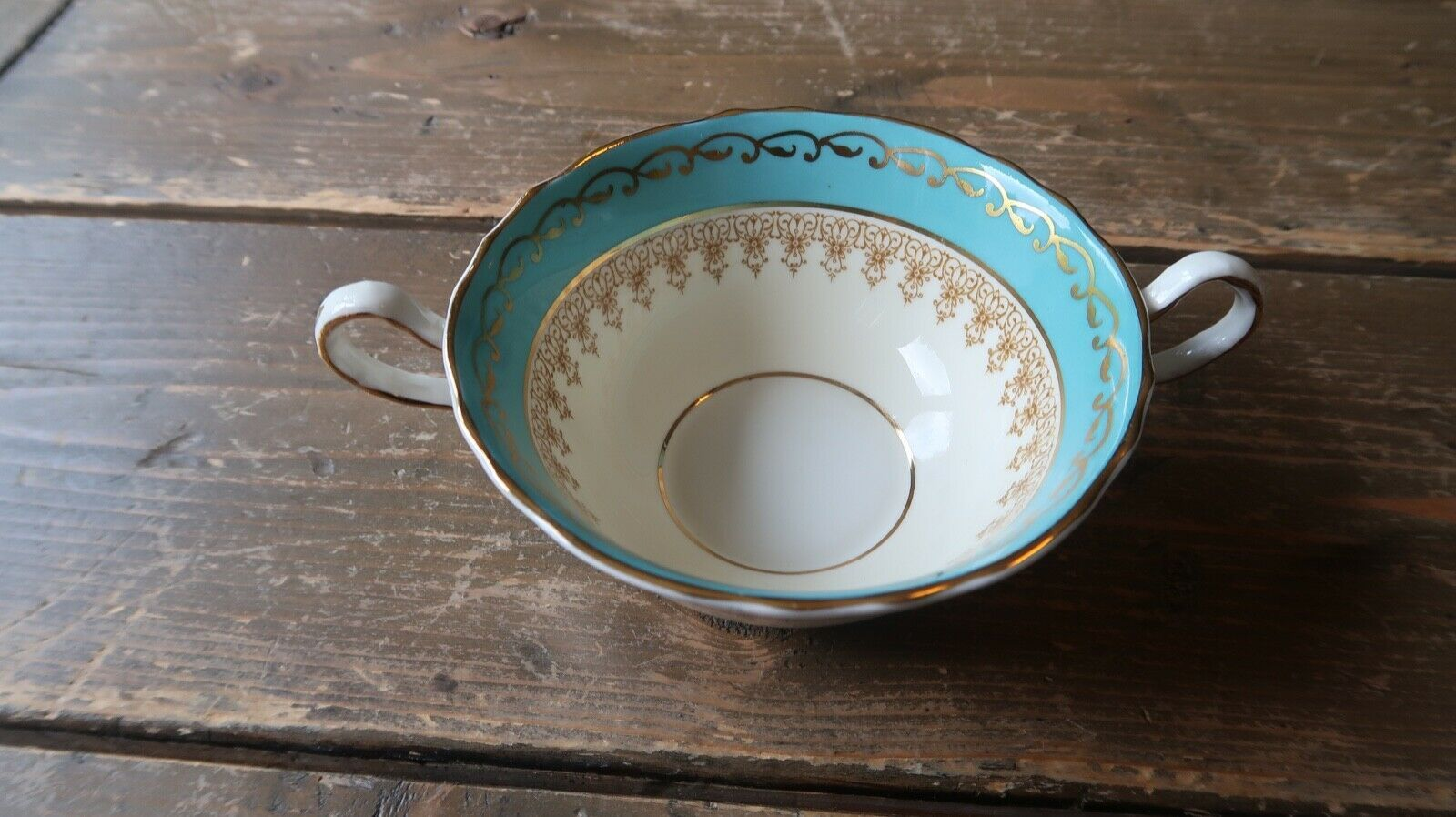 """Antique Aynsley Aqua Blue 7611 Soup Bowl 6.5"""" from handle to handle - $24.74"""