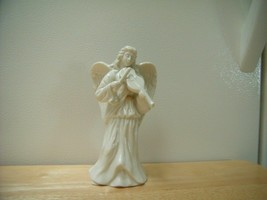 Lenox Porcelain Angel Playing The Violin with Gold Trimming  Figurine - $6.93